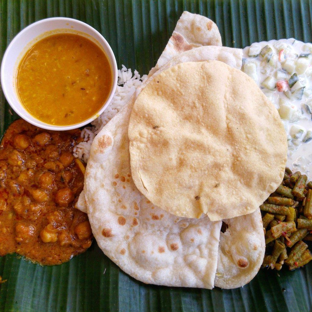 eten in India, naan